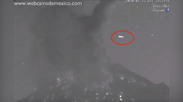 UFO Streaks Across the sky over Popocatepetl  Volcano Seconds after Eruption