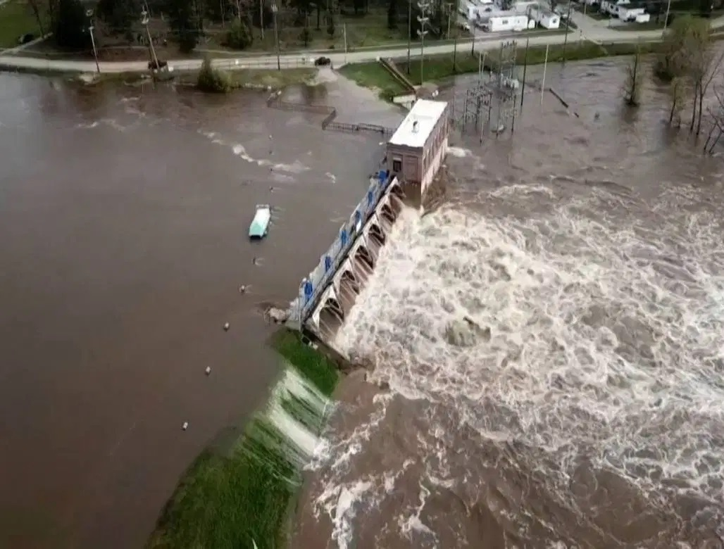 Catastrophic dam failures' in central Michigan forces thousands to evacuate