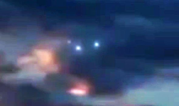 Bizarre video shows 'Fleet of alien craft' spotted over Arizona