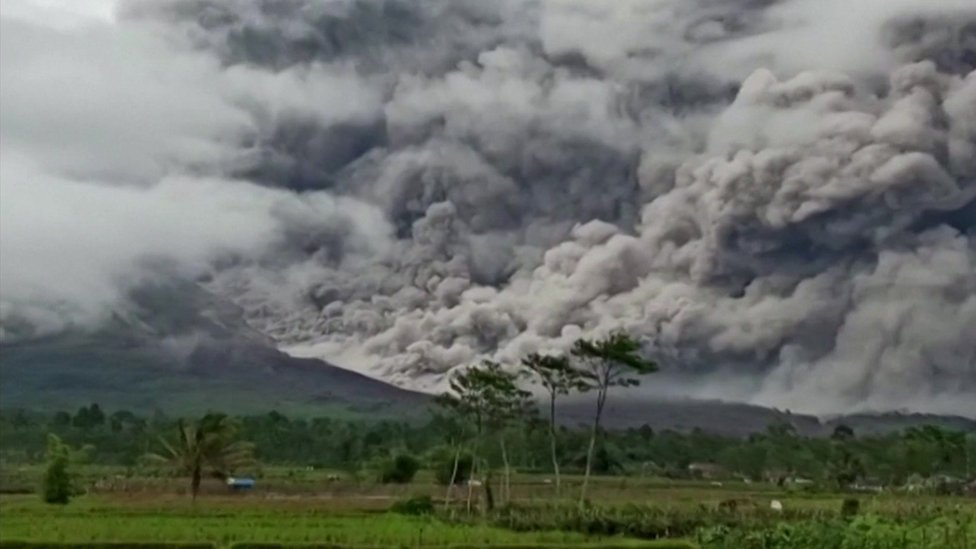 Semeru volcano explodes, spews massive pyroclastic flow-Indonesia